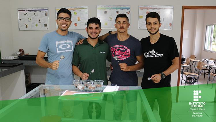 Alunos do Ifes - Campus de Alegre recebem certificação de nível internacional